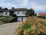 Brey: Familienfreundliches Wohnen in beliebter Lage! Gepflegter Walmdach-Bungalow mit großem Garten