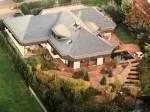 56130 Bad Ems: Außergewöhnliches Einfamilienhaus mit ELW